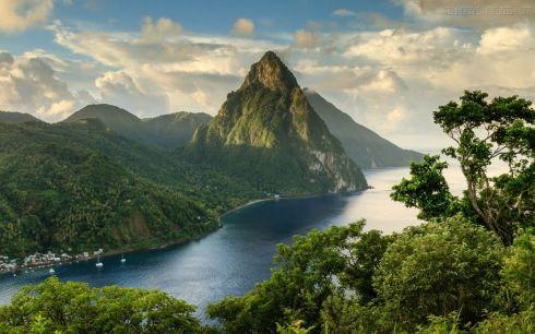Pitons-Santa-Lucia-Caribe