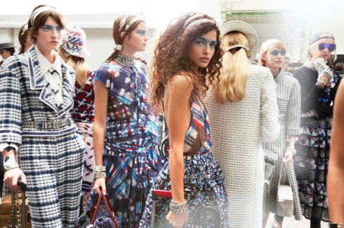 chanel-news-spring-summer-2016-ready-to-wear-backstage-04