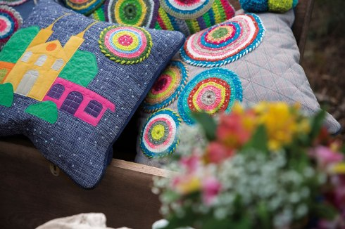 AtelierLucianaAndrade_almofadas_tear_-croche_felpagem_courodeporco_web-(9)